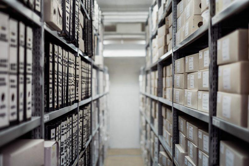 Quante sono le librerie, le edicole e le fumetterie in Italia?