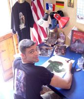 Lucio Parrillo al tavolo da disegno (foto Kristy L