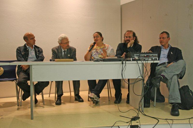 Convegno-SLOWCOMICS-18-9-2010©-emanuelaoliva@alice.it-3406997343-3_Recensioni