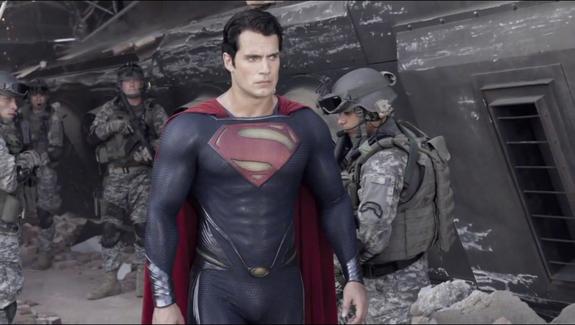"""""""Man of Steel"""" di Zack Snyder: il rilancio di Superman al cinema"""