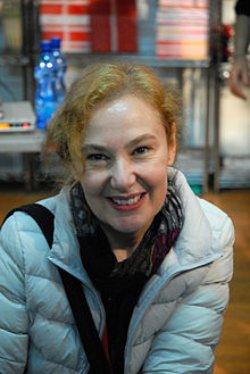 Capire il mondo osservandolo e facendo satira: Silvia Ziche tra Paperina, Lucrezia, Alice e Minni!