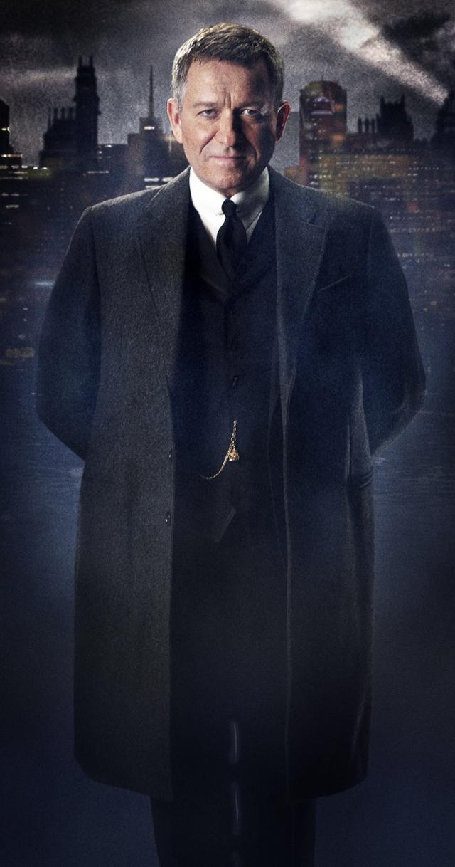 Gotham: prima immagine ufficiale di Alfred