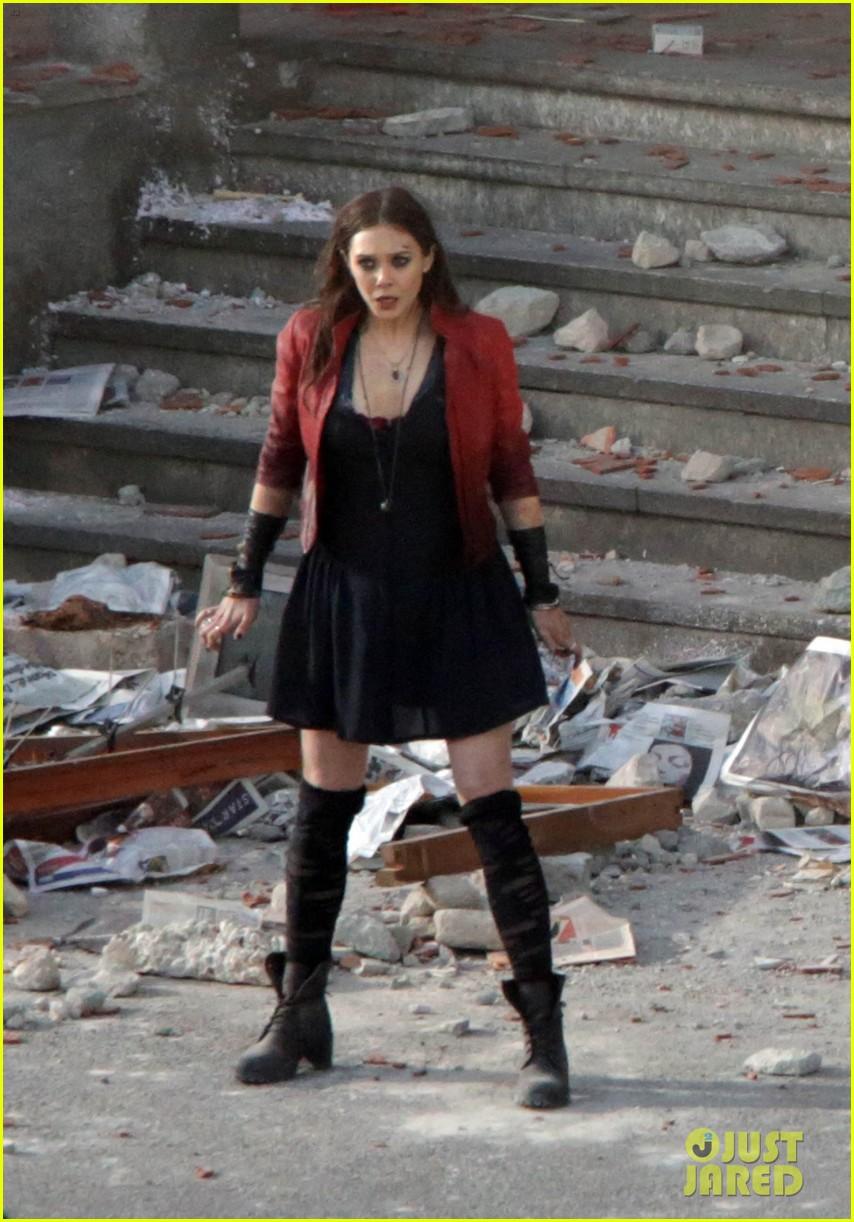 Set_The Avangers Elizabeth Olsen come Scarlet Witch.