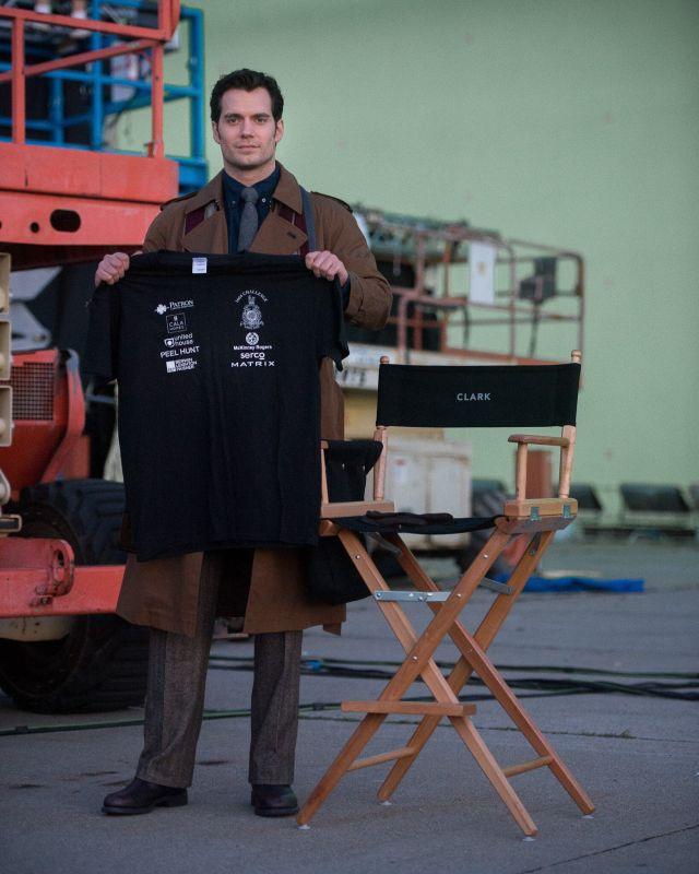 Batman v Superman: ecco Henry Cavill come Clark Kent