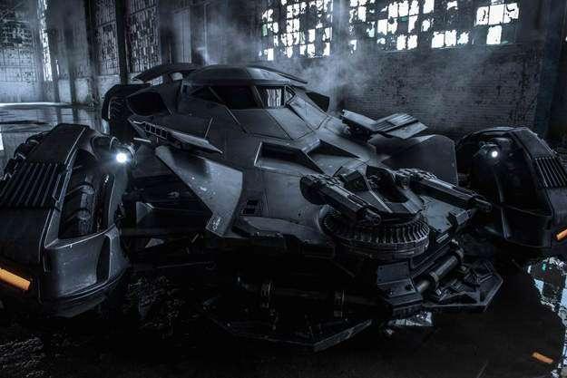 Batman V Superman: prima immagine ufficiale Batmobile