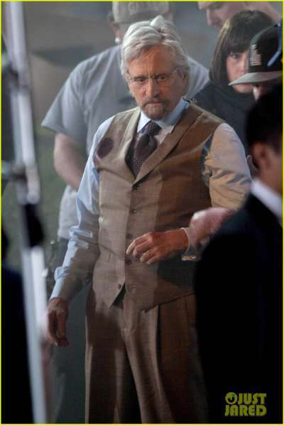 "*EXCLUSIVE* Michael Douglas and Evangeline Lilly on the set of ""Ant Man"""