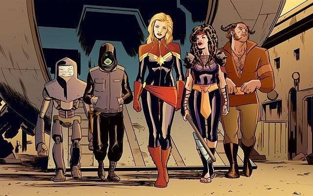Avengers Deluxe Presenta #6 - Capitan Marvel #1 (Kelly Sue DeConnick, David Lopez)