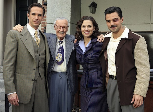 Agent Carter: Prime immagini Stan Lee