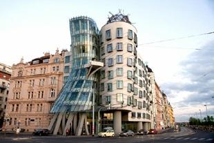 Intervista ad Akab: Frank O. Gehry e l'architettura che danza