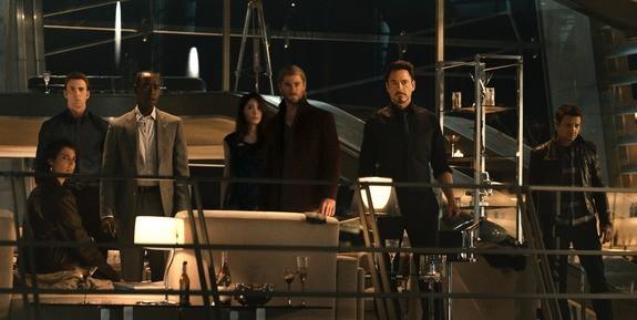 Age of Ultron esce al cinema, a Gotham la moralità di James Gordon è in bilico