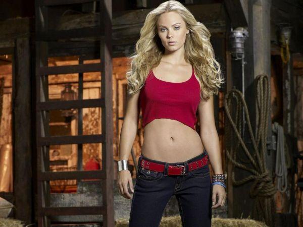 Supergirl: Laura Vandervoort in trattative per cameo