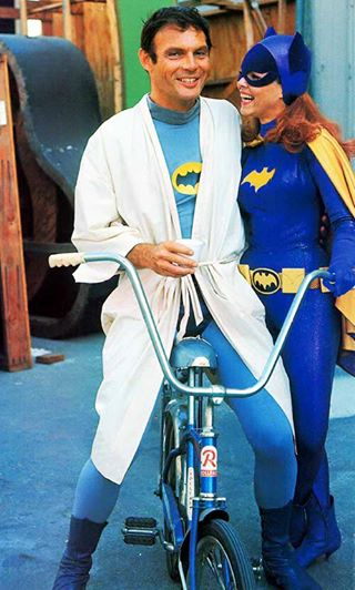 Adam West ricorda Yvonne Craig