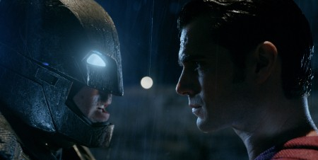 Batman V Superman: Warner Tour per i costumi e la batmobile del film