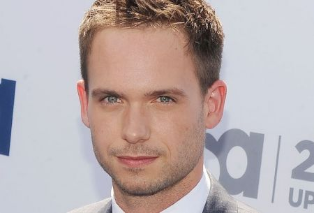DC's Legends of Tomorrow: Patrick J. Adams nel cast