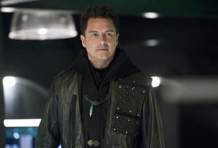 John Barrowman promosso a regular in tutti i serial DC/The CW