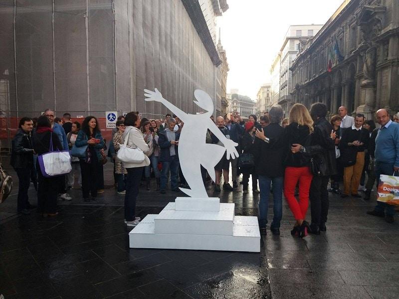 La-statua-della-Linea-che-troverà-collocazione-al-Museo-del-fumetto-di-Milano_Notizie