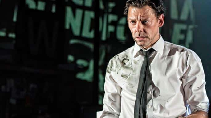 Sabrina The Teenage Witch: Richard Coyle nel cast del serial Netflix