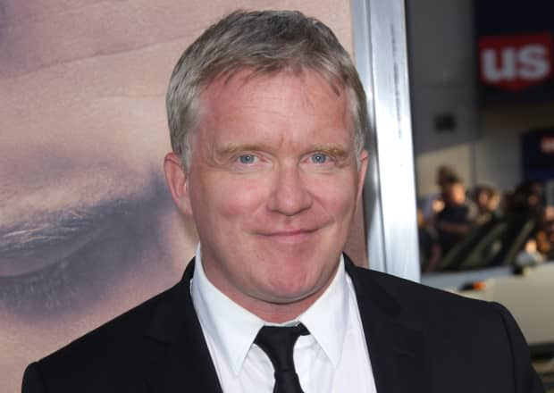 Riverdale: Anthony Michael Hall nell'episodio flashback