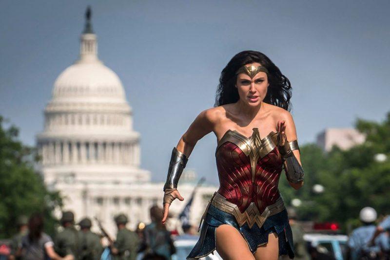 Wonder Woman 1984: discussioni alla major sulla release del film