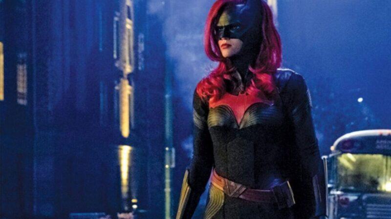 Batwoman: showrunner spiega ragioni reboot del personaggio